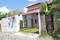 Rumah Minimalis di Jalan muding bougenvil kerobokan badung