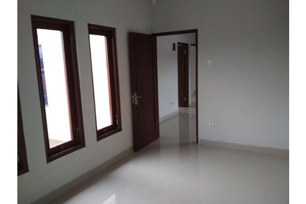 Carport Rumah di Sleman Jogja ini Muat 2 Mobil Innova 15625501