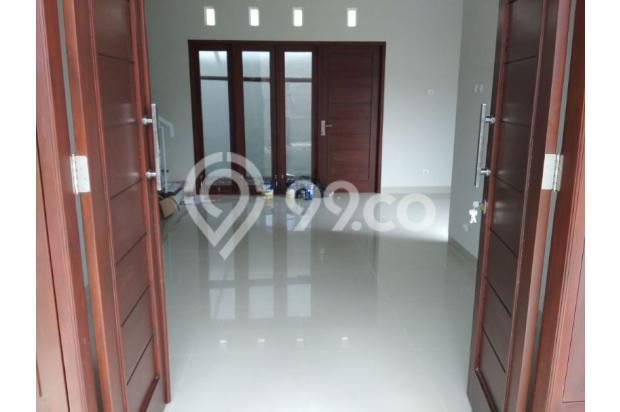Carport Rumah di Sleman Jogja ini Muat 2 Mobil Innova 15625502