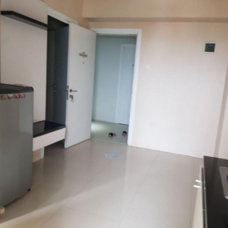 unit tower chrisant dijual semi furnished apartemen green pramuka city