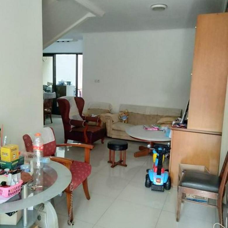 Rumah Berada Diarea yg Sejuk di Royal Duta, Ciwaruga