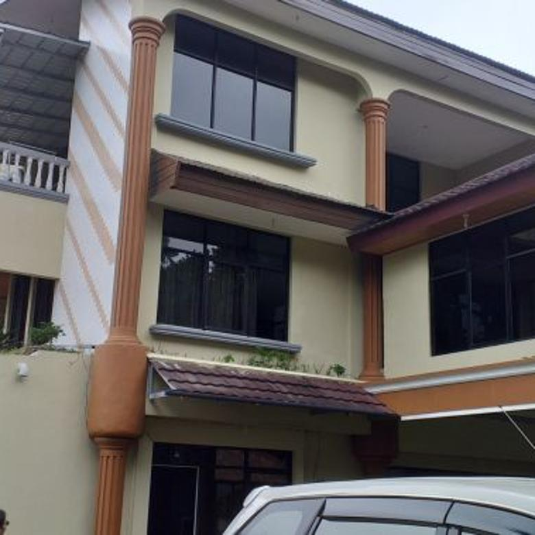 Vila Keren 3 lantai di Mega Mendung, Puncak Bogor Jawa Barat