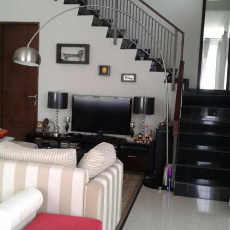 Rumah Bagus di Komplek elite strategis Setramurni Bandung