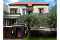 Dijual Rumah Strategis di Senopati Jakarta Selatan