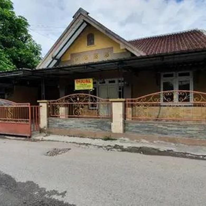 Rumah Strategis Pinggir Jalan Aspal Lokasi di Gedongkiwo jogja