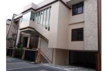 Rumah Baru dijual dalam Cluster di Ragunan, Jakarta Selatan