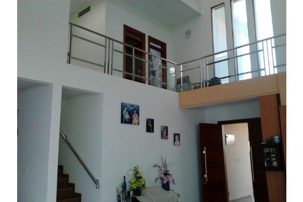 Rumah Mewah Bonus Kolam dan Full Furnished Lokasi Eksekutif Solo Baru 13696720