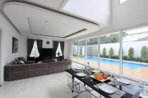 Rumah Baru di Komp Taman Gandaria, Suasana Tenang dan Jalan Le