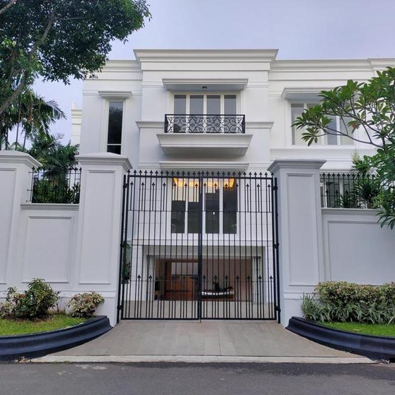 White House Luxurious at Pondok Indah Jakarta Selatan