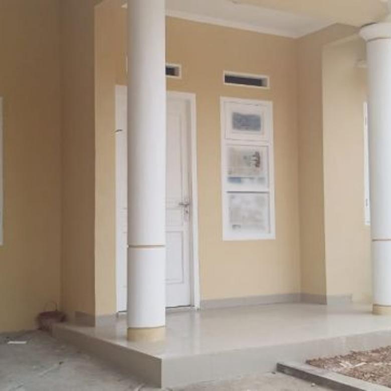 Rumah di Cluster Pinus Taman Royal Tangerang