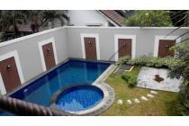Rumah Ampera swimming pool lokasi strategis