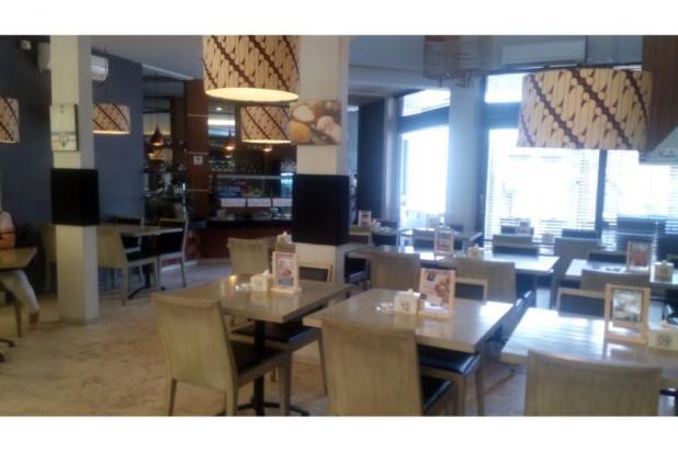 Komersial dijual restoran lantai di lokasi strategis