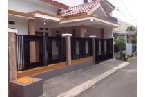 Disewakan rumah strategis dekat stasiun dan TOL di Taman Cimanggu Bogor.