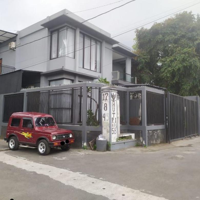 Rumah Mewah Full Furnish strategis 250 meter ke Pasar Cebongan