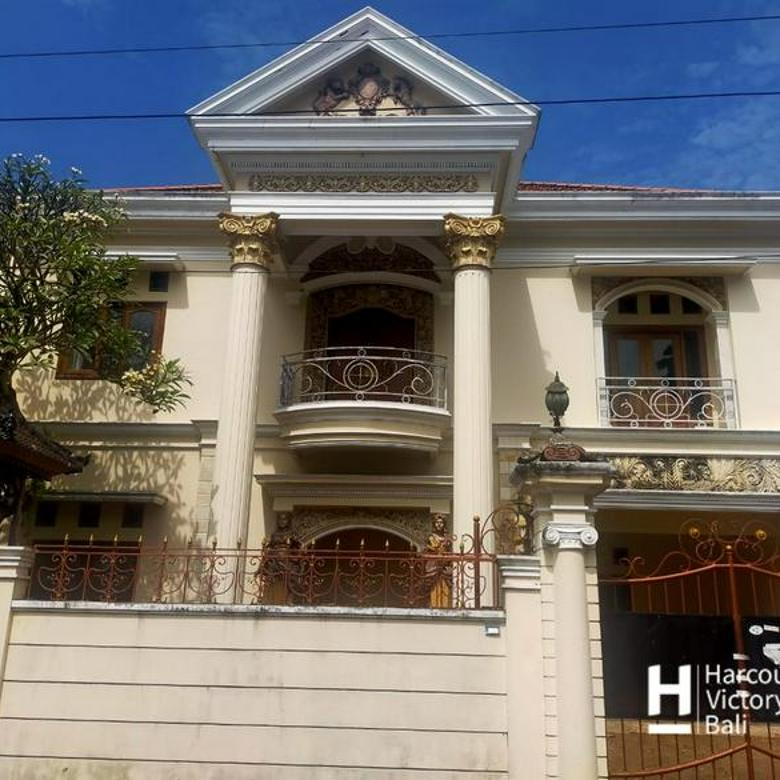 Rumah Mewah terawat area Kesiman Denpasar