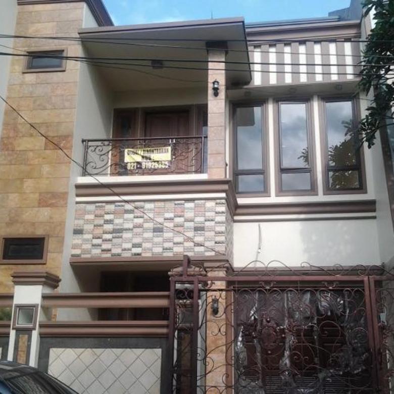 Dijual Rumah Komp Asuransi Otista