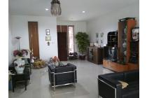 Dijual Rumah Minimalis Bagus di Singgasana Pradana, Bandung