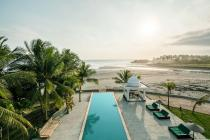villa mewah seperti istana di pinggir pantai pasut tabanan