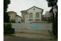 Rumah mewah 2 lantai lippo Karawaci Tangerang dekat tol Jakarta-Tangerang