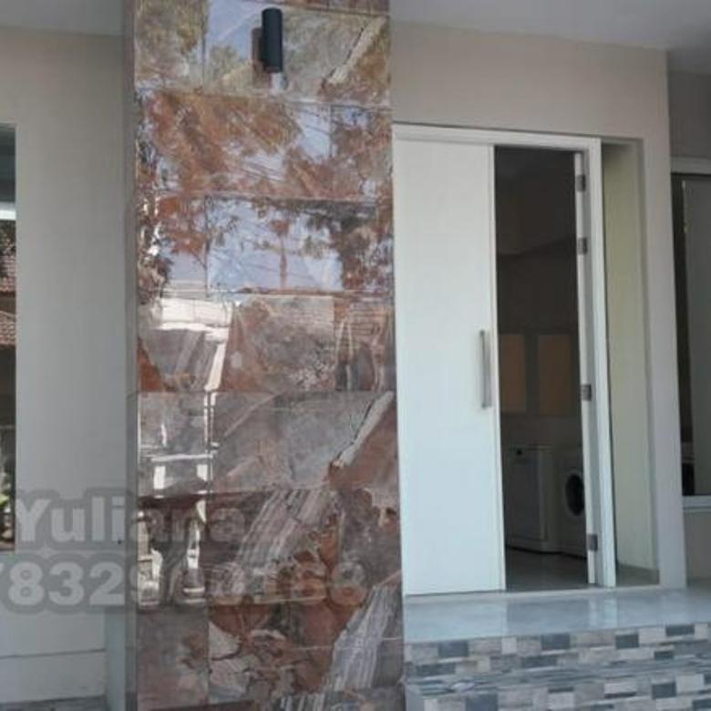 Rumah Bagus tingkat 2 lantai siap pakai di Perumahan Bukit Sari, Semarang