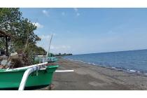 Tanah kosong Di Pinggir Pantai Ume Anyar, Seririt Bali