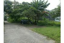 tanah di dekat kampus ternama