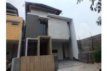 Dijual rumah ada kolam renang di Puri Bintaro Sek 9,Tangerang