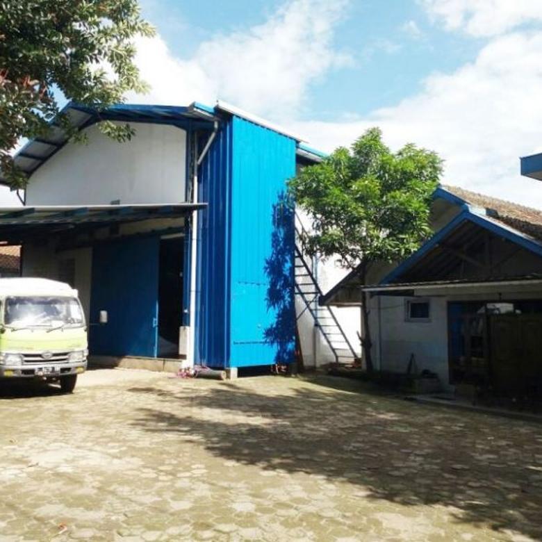 GUDANG di Cimareme Bandung akses jalan luas dan carport masuk Teronton