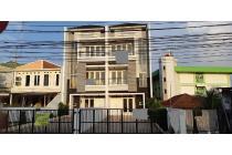 Dijual Rumah di Pasar Minggu,Bangunan 3 Lantai, SHM, Unfurnished, LT 223 m2