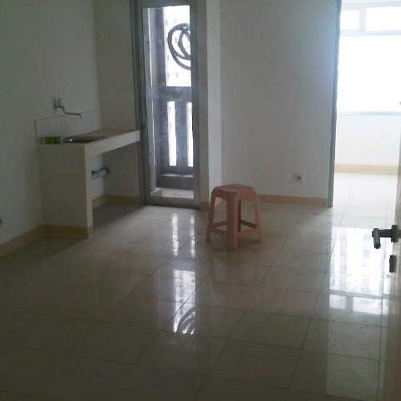 Dijual Unit Apartement Greenbay 2 kamar besar tower G view pool