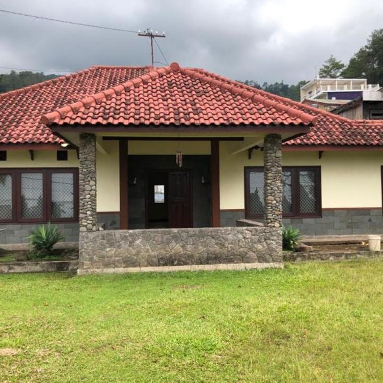 Villa di Jual di Tretes Pasuruan. Dekat dengan hotel Surya
