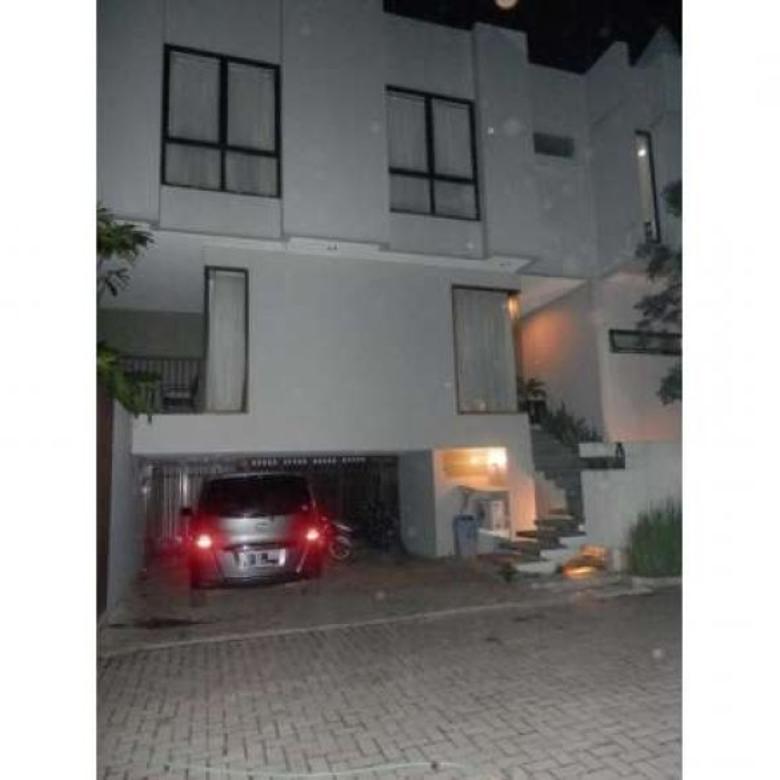 Dijual Rumah Dalam Cluster di Bangka Kemang, Jakarta Selatan AG282