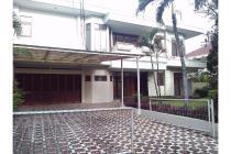 Rumah dengan Kolam Renang, Komp. Taman Jervois, Kebagusan, Jakarta Selatan
