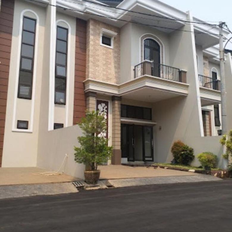 Dijual Rumah Nyaman design Modern Clasic di Timur Jakarta