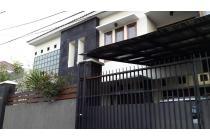 Rumah di Kemang, Ampera, Jakarta Selatan ~ Bangunan 2 lantai ~ Siap Huni