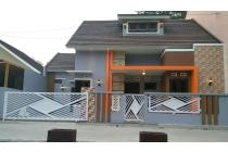 Rumah Modern Di Jl Kaliurang Km 13 Dekat Kampus UII