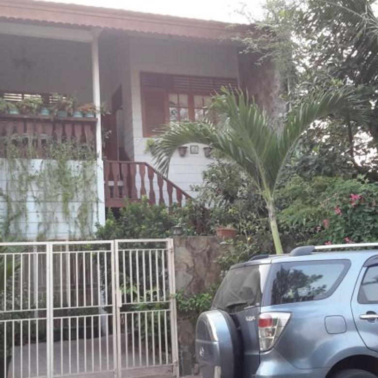Rumah Asri Di Lippo Village Barat