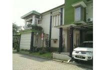 Rumah 2 lt sangat strategis di jl Alternative Cibubur,Cimanggis ,depok