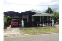Rumah di Komplek Dangau Teduh, Padang, Sumbar