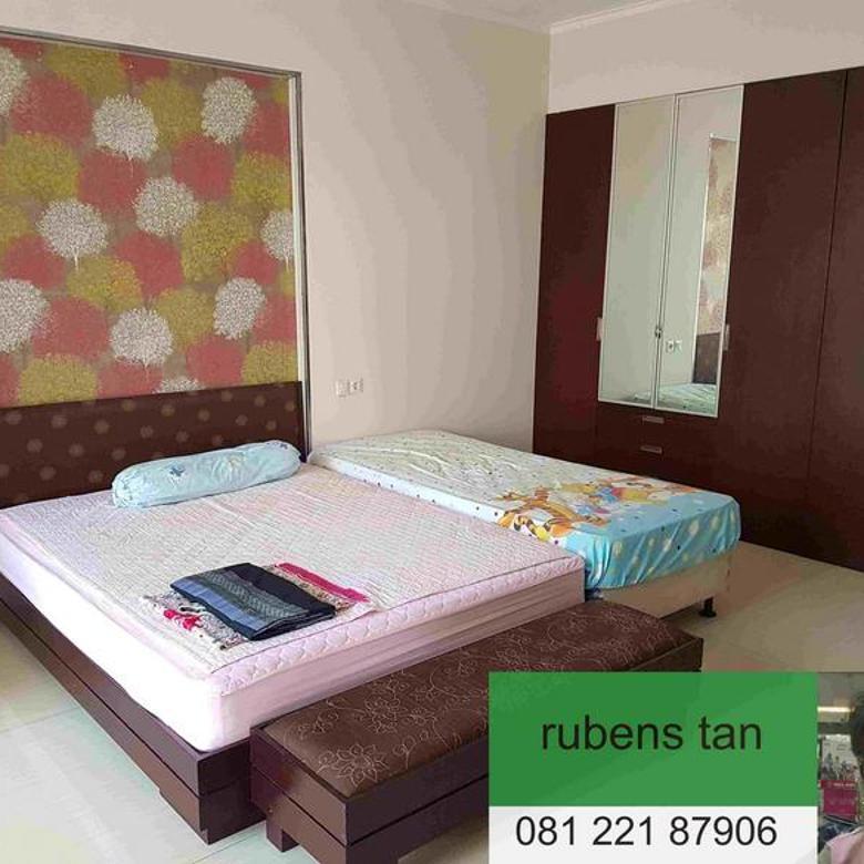rumah full furnished di larang tapa kota baru parahyangan..