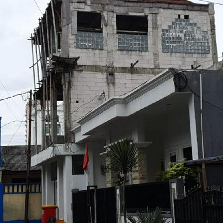 Rumah Induk + Kos-kosan, Strategis, dan Invest Yang Menguntungkan @Kreo Selatan, Larangan, Ciledug