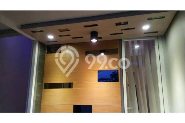 Rumah Minimalis ada kolam renang wage dekat Bandara Juanda 9438038