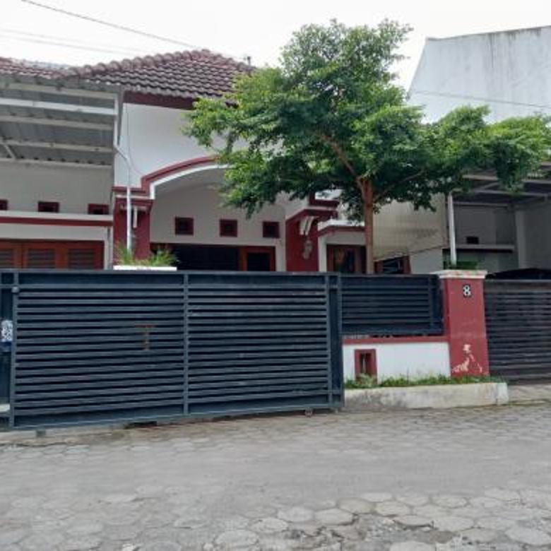 TURUN HARGA...! Rumah Cantik & Strategis di Jalan Sulawesi Lingkungan Modern dekat Sekolah Alam Al Azhar