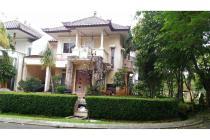 Rumah dengan lahan yang luas di Telaga Golf Sawangan