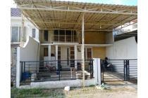Rumah Green lake wonorejo Kondisi seken cat ulang