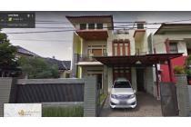 Rumah di Sariwangi Bandung,halaman luas depan belakang
