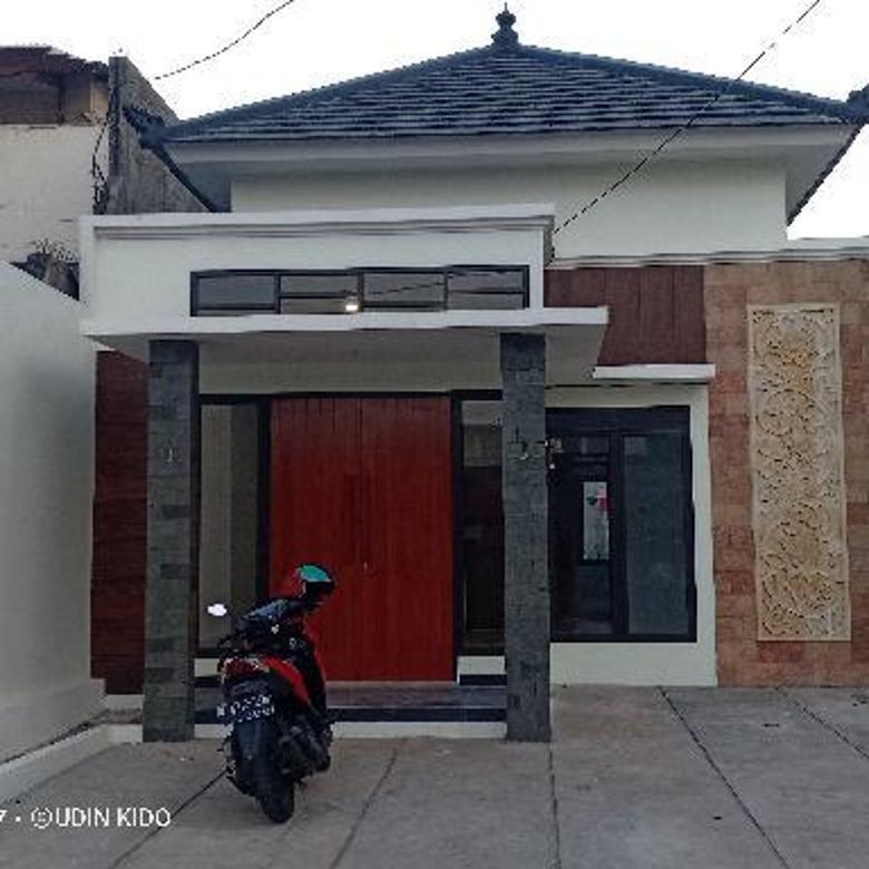 Rumah gaya Bali dekat Stasiun LRT dan pintu tol Cibubur Depok
