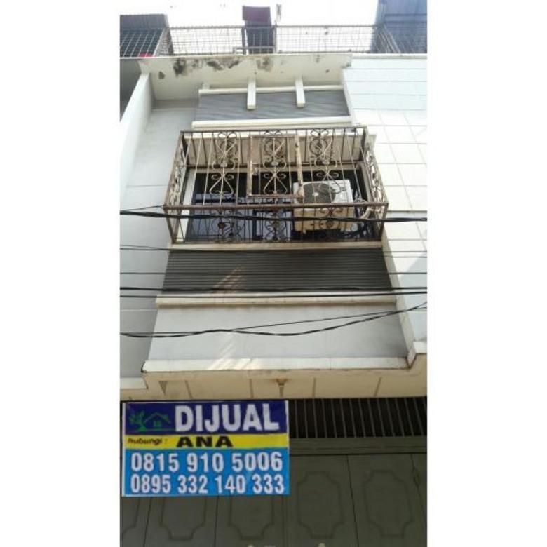 Dijual Rumah Murah Siap Huni 3 Lantai di Jelambar Jakarta