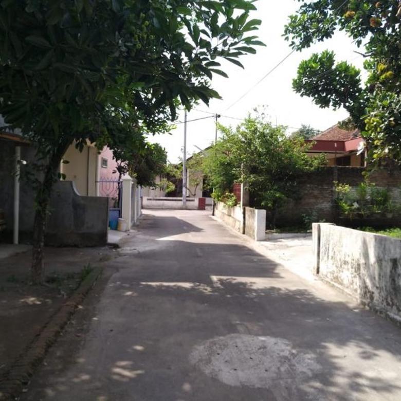 Rumah Timur Lapangan Jomblangan Jogjakarta(KODE DR.030)