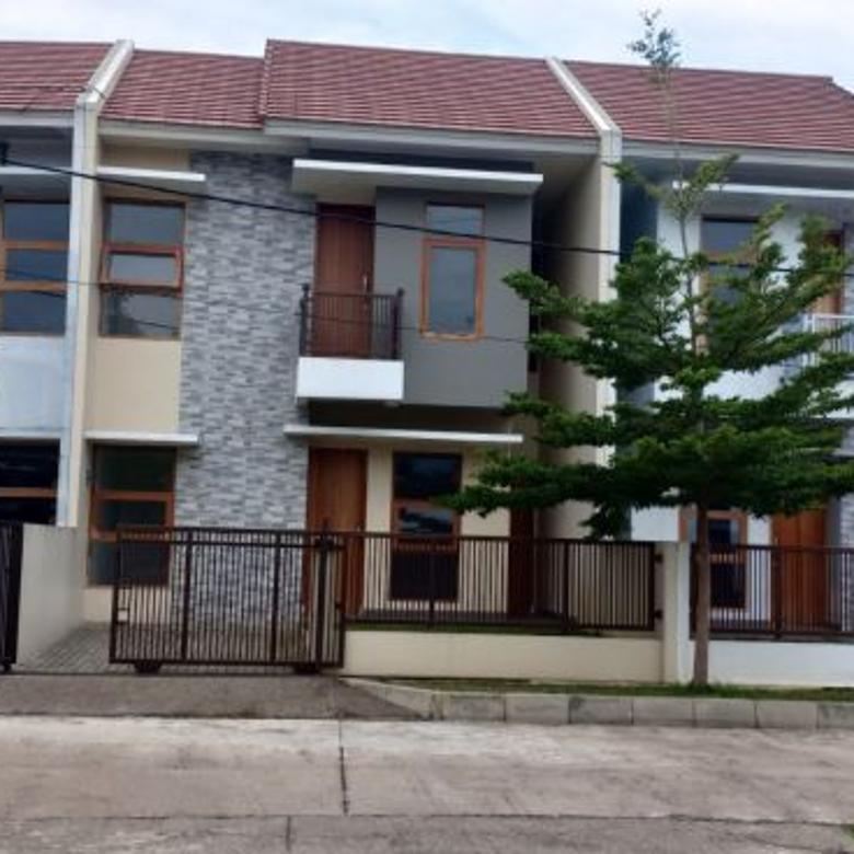Rumah baru 2 lantai Ready stock di Puri Cisaranten Arcamanik bandung